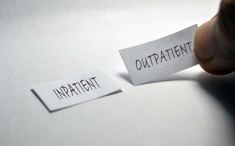 inpatient vs oupatient addiction treatment